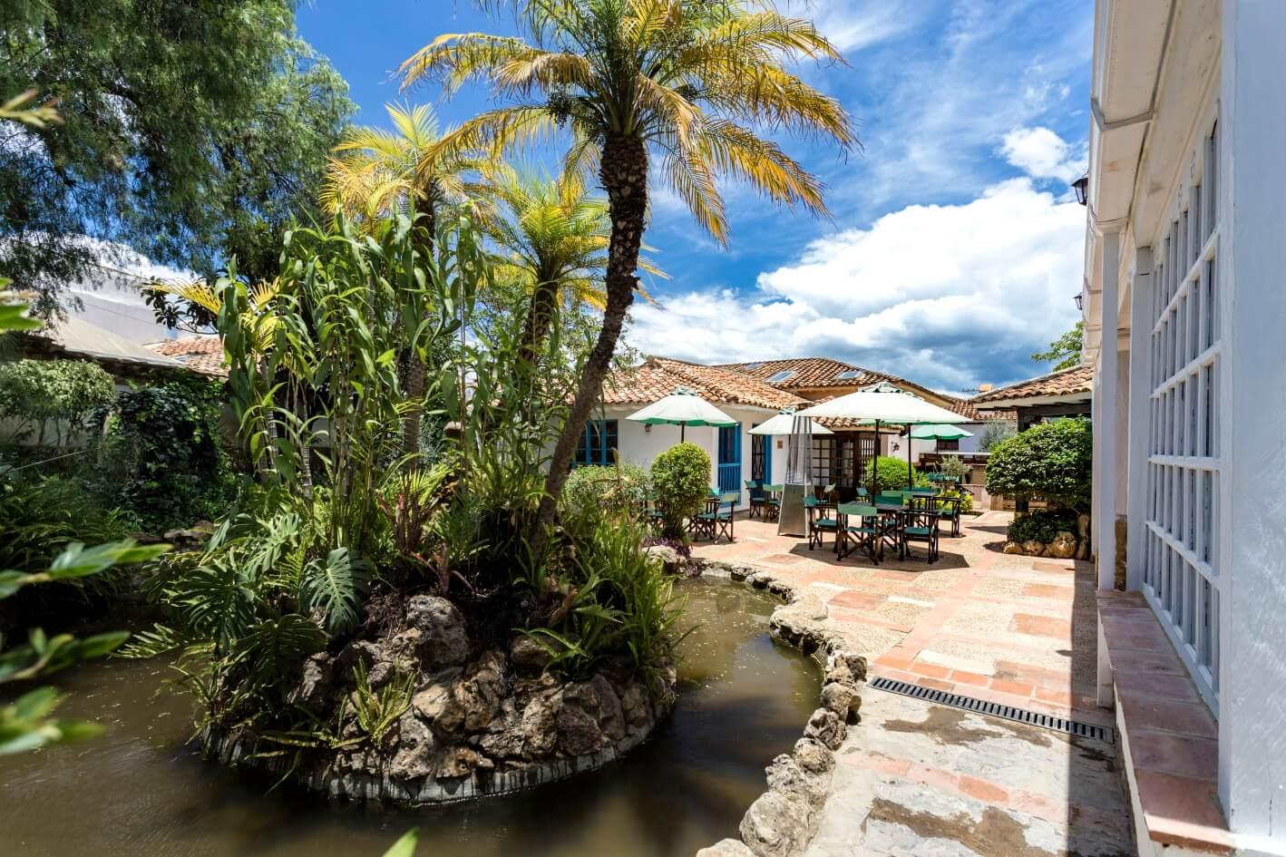 Villa Inglés Immersion Course hotel patio