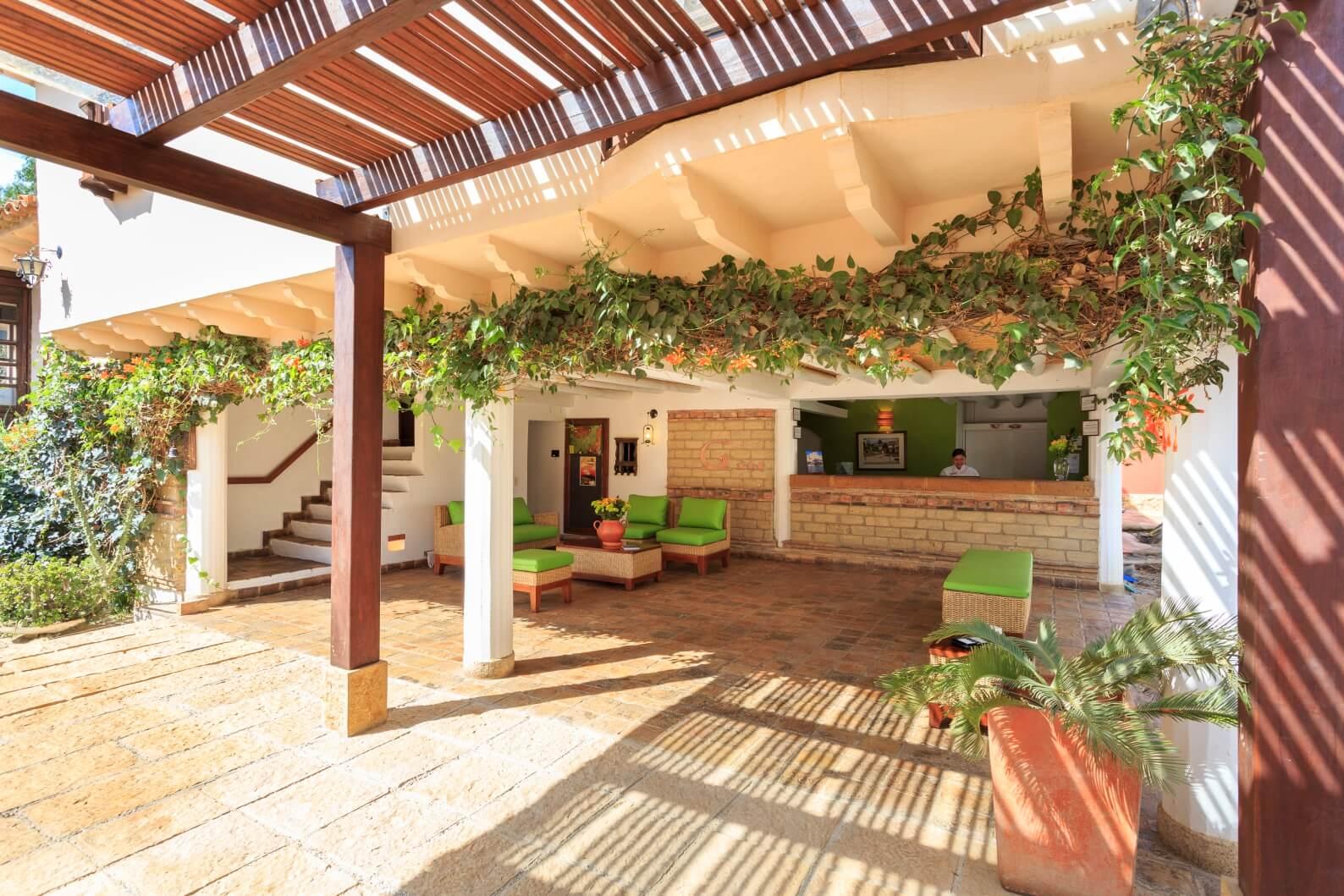 Villa Inglés Immersion Course hotel bar